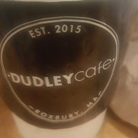 Foto scattata a Dudley Café da Erica T. il 2/21/2018