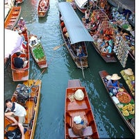 Photo taken at Amphawa Floating Market by Uthai P. on 1/20/2013