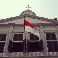 Photo taken at Museum Sejarah Jakarta (Museum Fatahillah) by Zahra K. on 11/22/2012