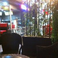 รูปภาพถ่ายที่ Yummie Corner โดย Harry W. เมื่อ 11/26/2012