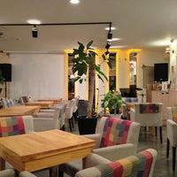 Photo taken at Cafe Bridge by 유젠니 on 1/24/2013