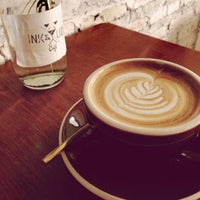 Foto scattata a INK&LION Café da Boyd K. il 2/9/2014