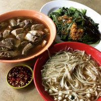 Photo taken at Ming Kee Bak Kut Teh by Eyrique G. on 1/30/2016