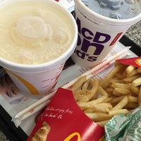 Photo taken at McDonald's by りんりん on 11/26/2016