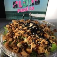 Foto tomada en Aloha Poke Co. por Abby D. el 5/10/2017