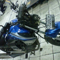 Photo taken at Setia Utama Motor by puji p. on 12/26/2012