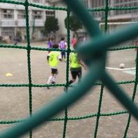 Photo taken at 世田谷区立 三軒茶屋小学校 by Takeshi Y. on 11/22/2015