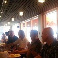 Photo prise au Restaurant Poivre Noir par Louis-Felix B. le7/5/2013
