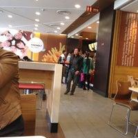 Photo taken at KFC (肯德基) by Lin X. on 3/18/2013