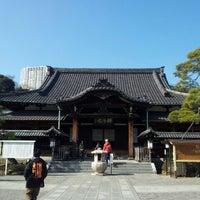 Foto scattata a Sengakuji Temple da Shinji U. il 2/11/2013