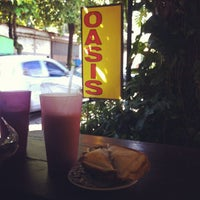Photo taken at Oasis: Jugos y Licuados by Bobby R. on 7/6/2013