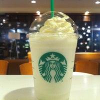 Das Foto wurde bei Starbucks von Rulo H. am 12/23/2012 aufgenommen