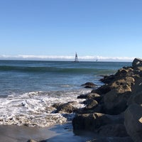 Photo taken at Harbor Beach by Jonathan P. on 10/6/2018