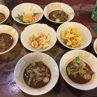 Photo taken at Rue Thong Boat Noodle by Ply K. on 9/27/2016