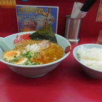 Photo taken at 山岡家 太田店 by ぢゃっか~ on 8/24/2015