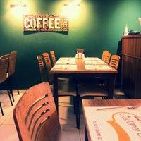 Photo taken at 2Z Kafe Restoran by Nagehan on 5/7/2014