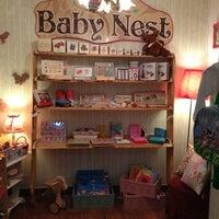 Foto tomada en Nest Boutique por E. L. el 2/22/2013