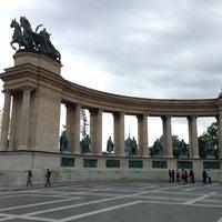 5/12/2013 tarihinde Petr B.ziyaretçi tarafından Hősök Tere | Heroes Square'de çekilen fotoğraf
