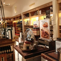 Photo taken at Williams-Sonoma by K@rTh!kk R. on 5/15/2013