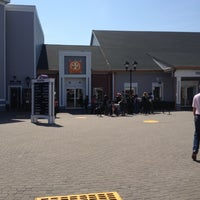 Photo taken at Tory Burch - Outlet by K@rTh!kk R. on 4/28/2013