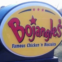 Photo taken at Bojangles' Famous Chicken 'n Biscuits by Benji M. on 11/7/2013