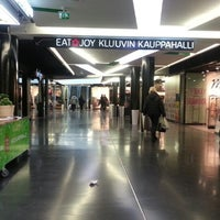 Photo taken at Kauppakeskus Kluuvi by Jussi P. on 3/30/2013