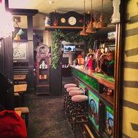 รูปภาพถ่ายที่ Eat & Talk โดย Igor P. เมื่อ 12/22/2012
