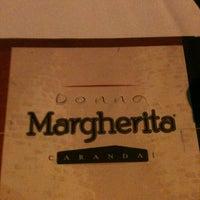 Foto tirada no(a) Pizzaria Donna Margherita por Andrea M. em 3/10/2013