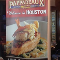 Photo taken at Pappadeaux Seafood Kitchen by Edward R. on 11/15/2012