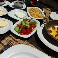 4/22/2015 tarihinde Tınaztepe Mağaraları Restaurant & Dinlenme Tesisleriziyaretçi tarafından Tınaztepe Mağaraları Restaurant & Dinlenme Tesisleri'de çekilen fotoğraf