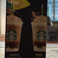 Das Foto wurde bei Starbucks von Ani P. am 6/12/2016 aufgenommen