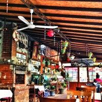 2/17/2013 tarihinde Nes Q.ziyaretçi tarafından Lunapark Cafe & Restaurant'de çekilen fotoğraf