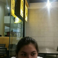 Photo taken at Yellow Cab Pizza Co. by Rianne H. on 8/7/2015