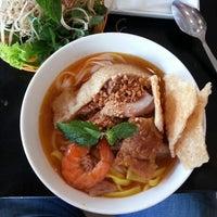 Photo taken at Mì Quảng Ngon Phan Thiết by Vu T. on 5/25/2013