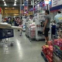 Foto tomada en Homecenter y Constructor Bucaramanga por jose luis m. el 12/31/2012