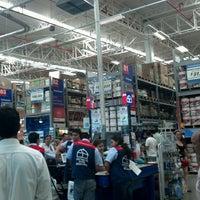 Foto tomada en Homecenter y Constructor Bucaramanga por jose luis m. el 5/25/2013