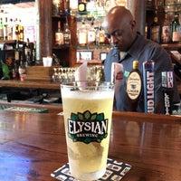 Foto tomada en The North Highland Pub por Alyssa S. el 7/28/2018