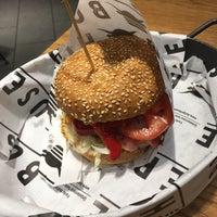 3/6/2018 tarihinde MohammadReza .ziyaretçi tarafından Burger House'de çekilen fotoğraf