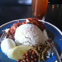 Photo taken at Restoran Al-Ali Bistro by Will K. on 3/23/2013