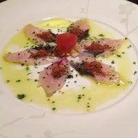 Foto scattata a Nobu Restaurant Caesars Palace da Vino Las Vegas il 2/23/2013