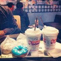 Foto tomada en Dunkin' Donuts por Luis E. el 7/2/2013