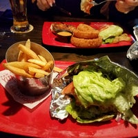 Photo taken at Red Robin Gourmet Burgers by Juan A. on 2/17/2017