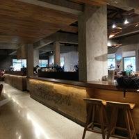 7/22/2018 tarihinde Kristian M.ziyaretçi tarafından Starbucks Reserve'de çekilen fotoğraf