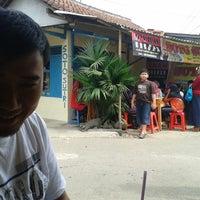 Photo taken at Soto Sutri by Wahied Dablongan N. on 7/29/2014