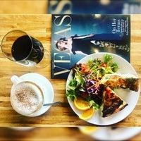 6/5/2018 tarihinde Alinochka S.ziyaretçi tarafından Rosallie French Cafe'de çekilen fotoğraf