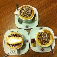 5/16/2013 tarihinde Merve T.ziyaretçi tarafından Coffeemania'de çekilen fotoğraf