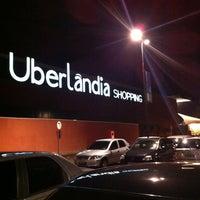 Foto tirada no(a) Uberlândia Shopping por Solivane P. em 3/10/2013