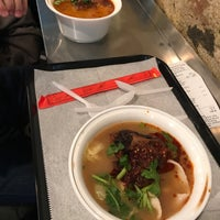 5/12/2017 tarihinde Liana L.ziyaretçi tarafından Xi'an Famous Foods'de çekilen fotoğraf