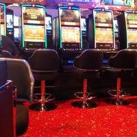 Foto tirada no(a) Casino Rivera por Osvaldo Henrique M. em 12/28/2013
