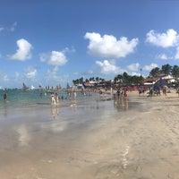 Foto tirada no(a) Praia de Porto de Galinhas por Roberto F. em 7/20/2018